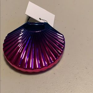 Accessories - ♦️Brand new compact shell mirror, double sided